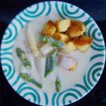 Spargelragout mit knusprigen Kartoffeln