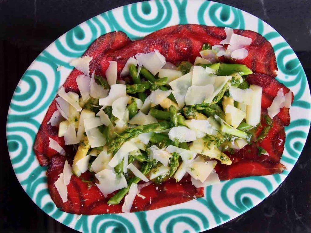 Spargelsalat auf Carne Salada