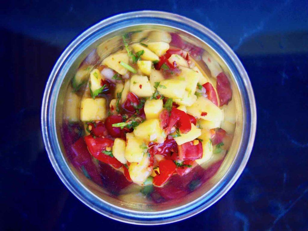 Salsa mit Mango und Tomaten