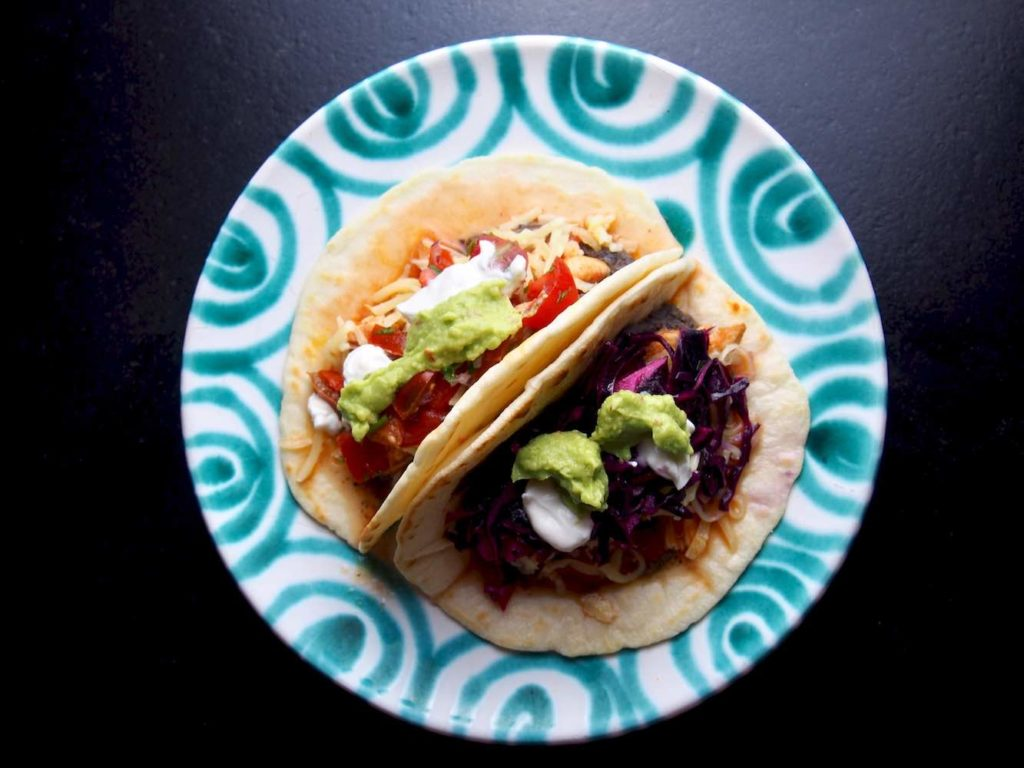 Tacos mit geschmortem Huhn